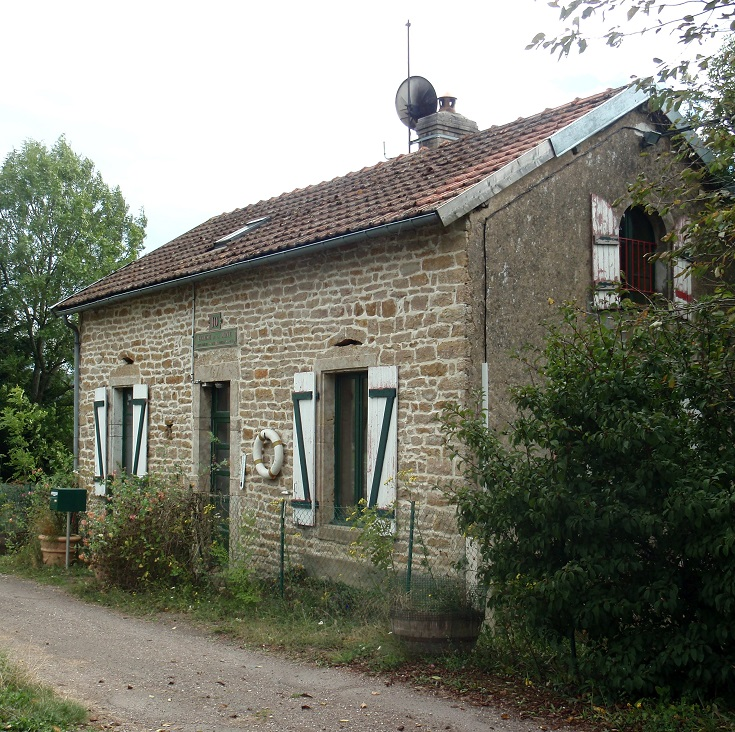 Écluse 10S La Mine, lock-houses, Burgundy Canal, France