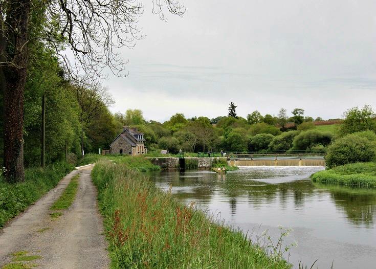 Écluse 209 Pont-Triffen, Nantes à Brest Canal, Brittany, France