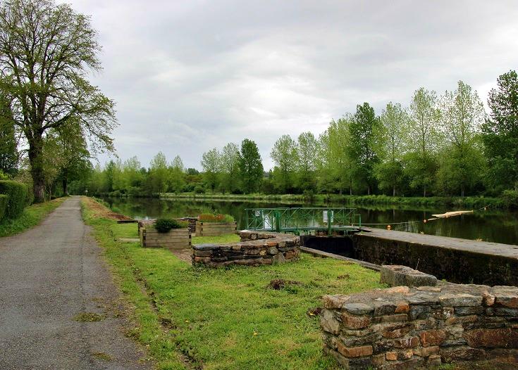 Leaving Écluse 235 Coatigrac'h, Nantes à Brest Canal, Brittany, France