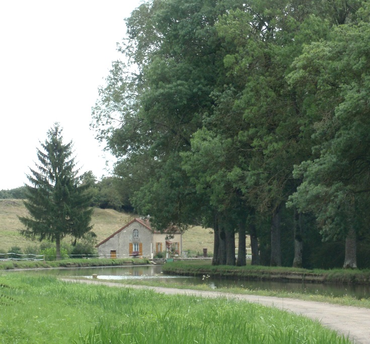 Écluse 6S La Chaume, Burgundy Canal, Canal walks in France