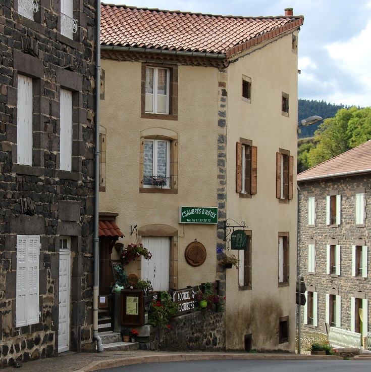 Main street, Saint-Privat-d'Allier, GR 65, France