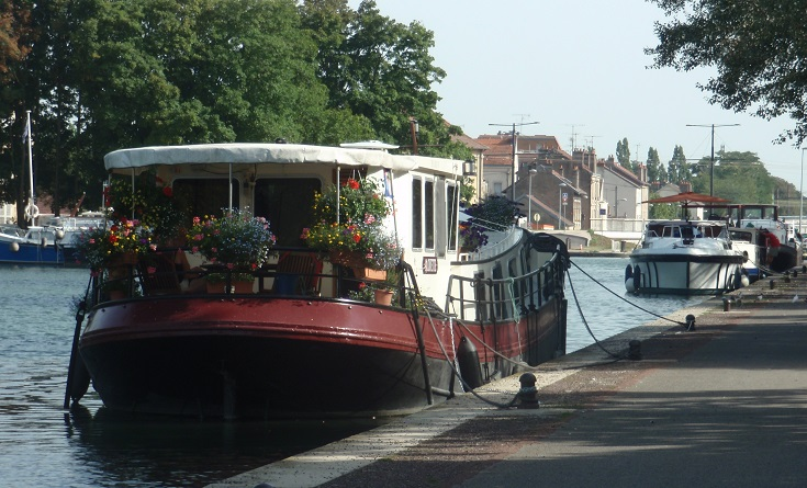Port de Dijon, Burgundy Canal, France