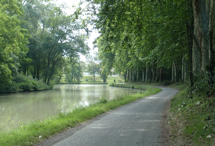 Approaching Castelnaudary, Midi Canal, France