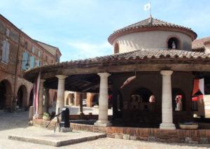 Eighteenth century circular covered grain halle in Auvillar