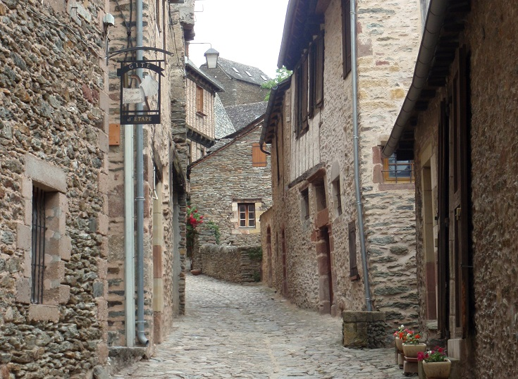 Narrow back street through Conques