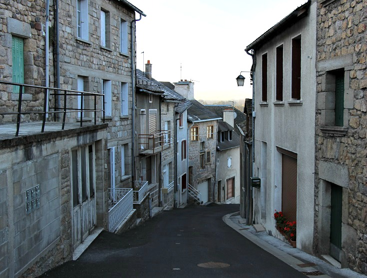 Back street, Saint-Alban-sur-Limagnole, GR 65, France
