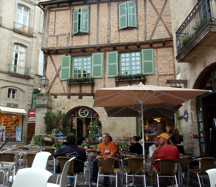 Café patrons in Place Campollion