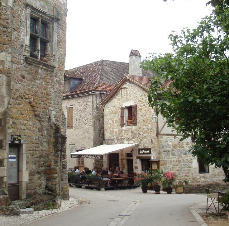 Cafe La Prieure, Carennac, GR652, France