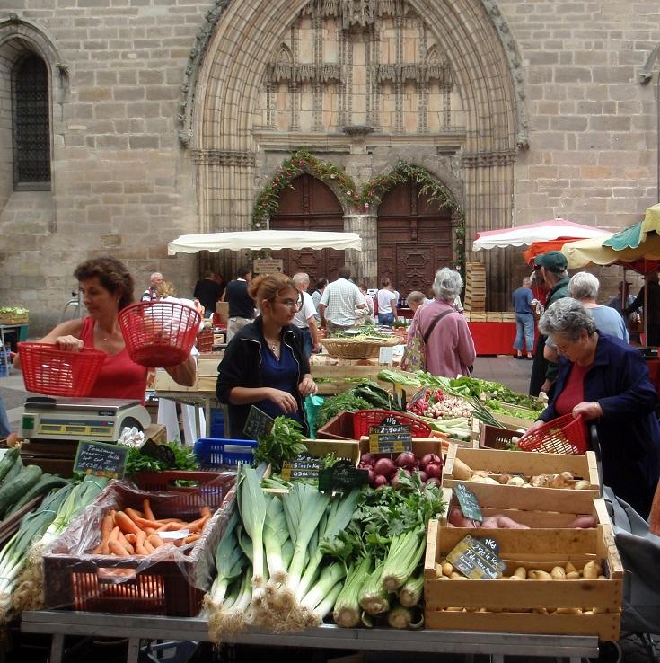 Saturday morning market in Cahors