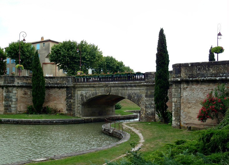 Castelnaudary, Midi Canal, France