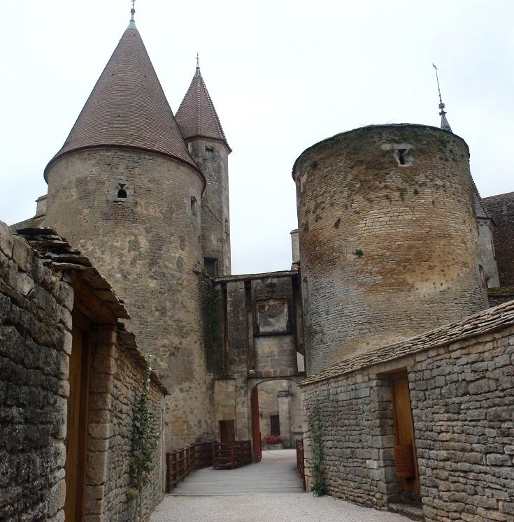 Château, Châteauneuf-en-Auxois, Burgundy Canal, France