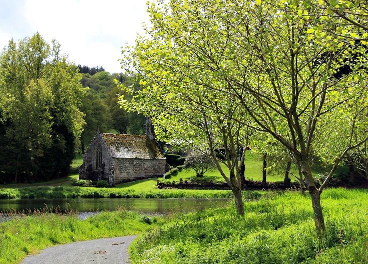 Chapelle de la Pitié, Nantes à Brest Canal, Brittany, France