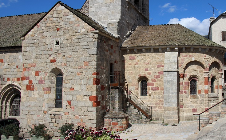 Church, Saint-Alban-sur-Limagnole, GR 65, France