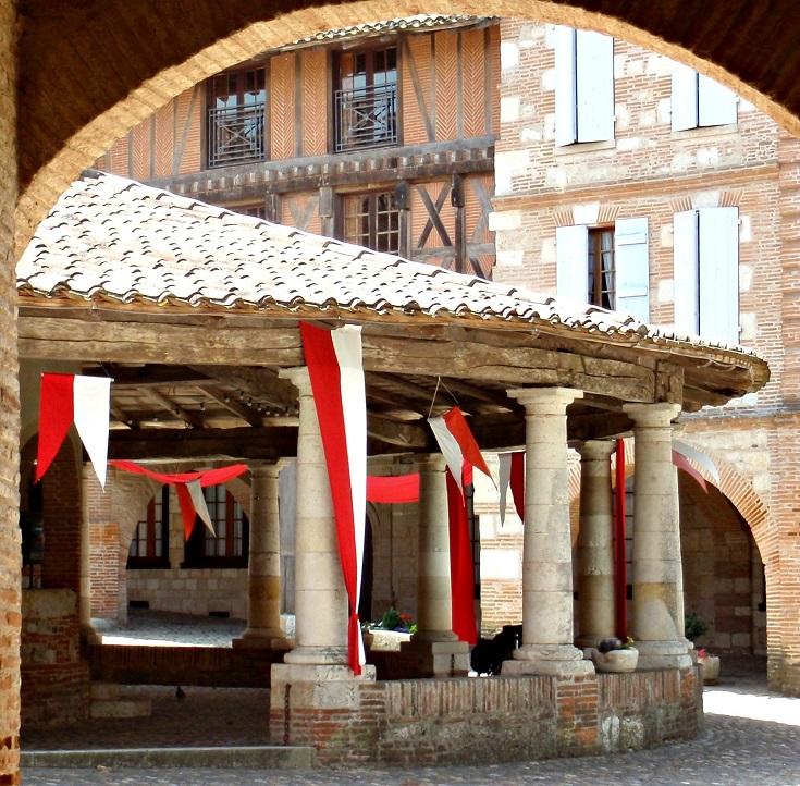 Circular halle, Auvillar, Cahors to Eauze, Chemin de Saint-Jacques, France