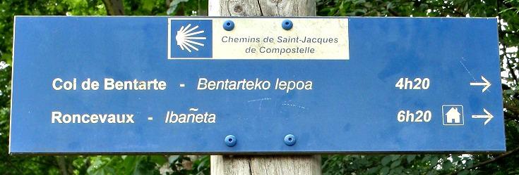 GR sign, Saint-Jean-Pied-de-Port