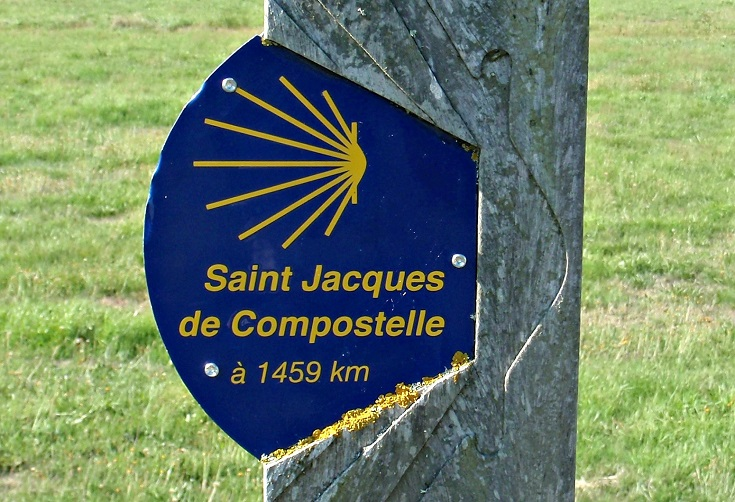 GR sign post, Chemin de Saint-Jacques