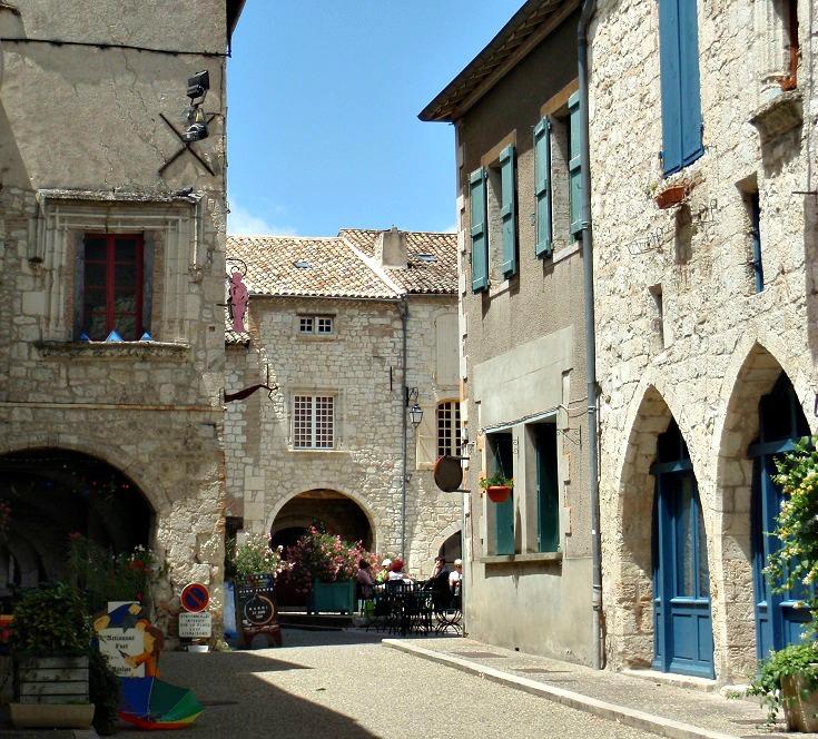 Main square, Lauzerte, GR 65, France