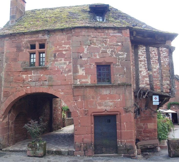 Maison de la Sirène, Collonges-la-Rouge, GR480, France