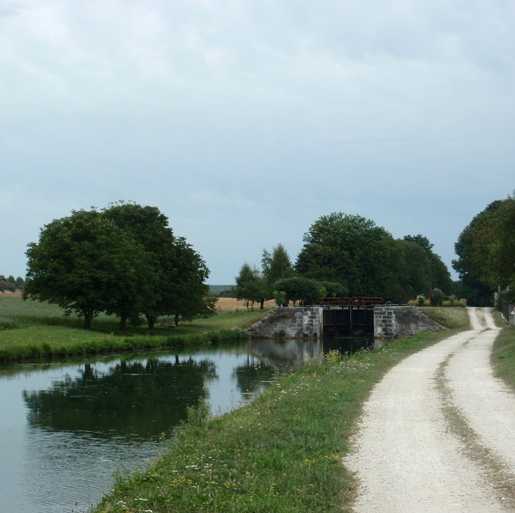Near Écluse 78 Y Fulvy, Burgundy Canal, France
