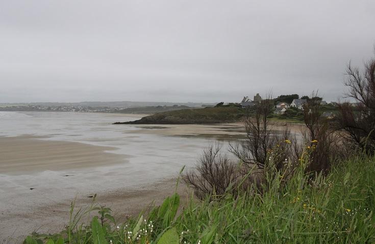 Grey skies, wet sand at Pors ar Vag