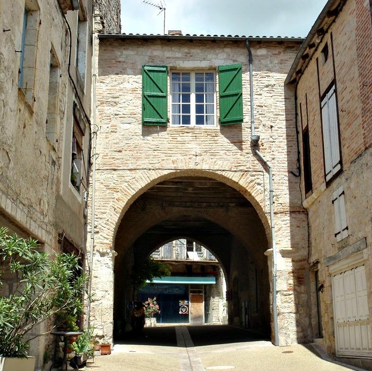 Porte, Lauzerte, GR 65, France