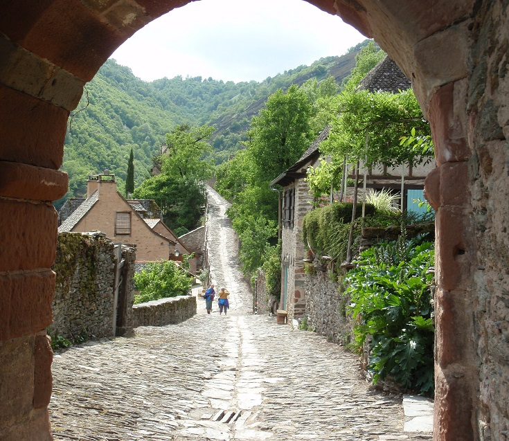 Porte de Barry, Conques, GR65, France