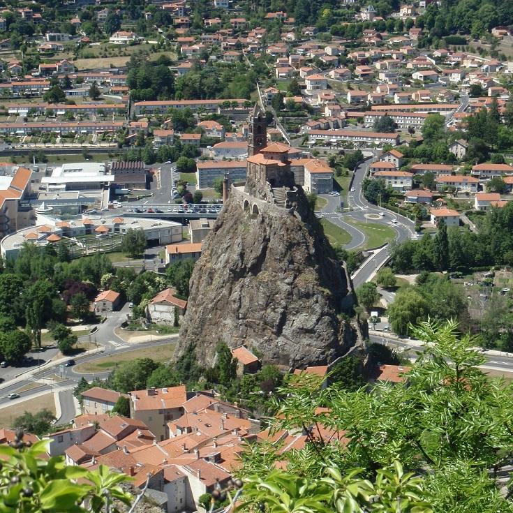 Rocher Saint-Michel d'Aiguilhe, Le-Puy-en-Velay, GR65, France