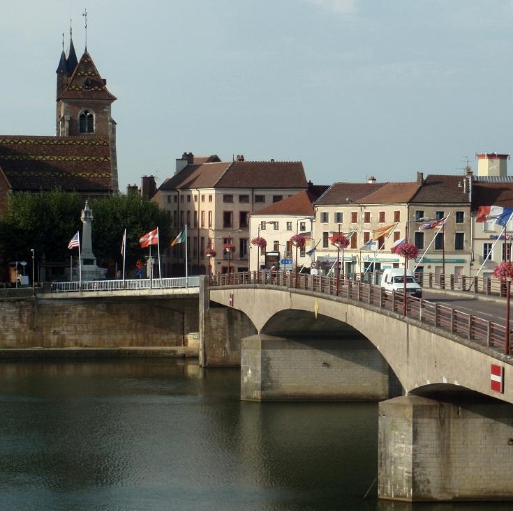 Saint-Jean-de-Losne, Burgundy Canal, France