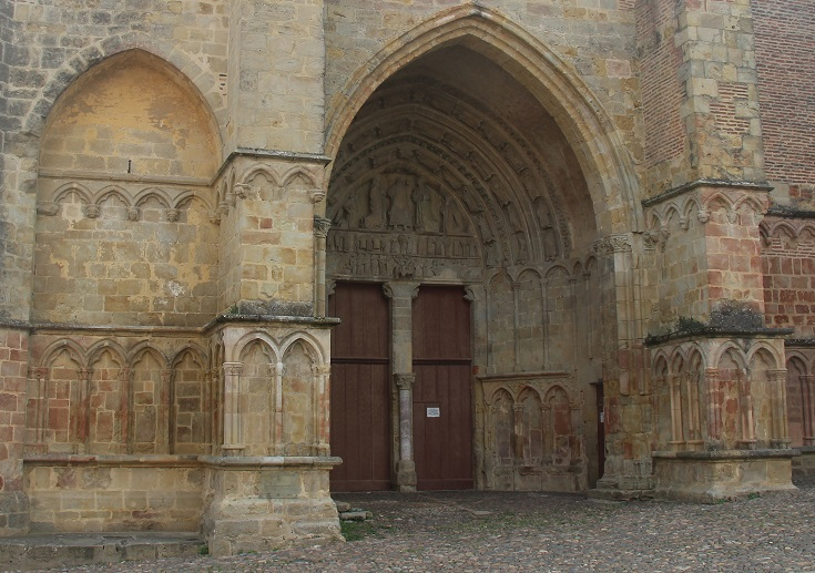 Exquisitely carved exterior of Saint-Quitterie in Aire-sur-l'Adour, Chemin de Saint-Jacques