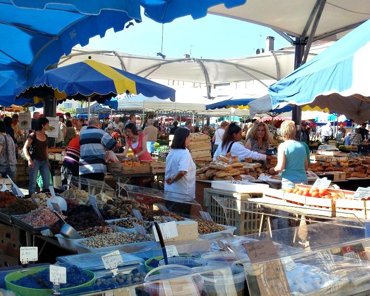 Saturday market, Moissac, GR 65, France