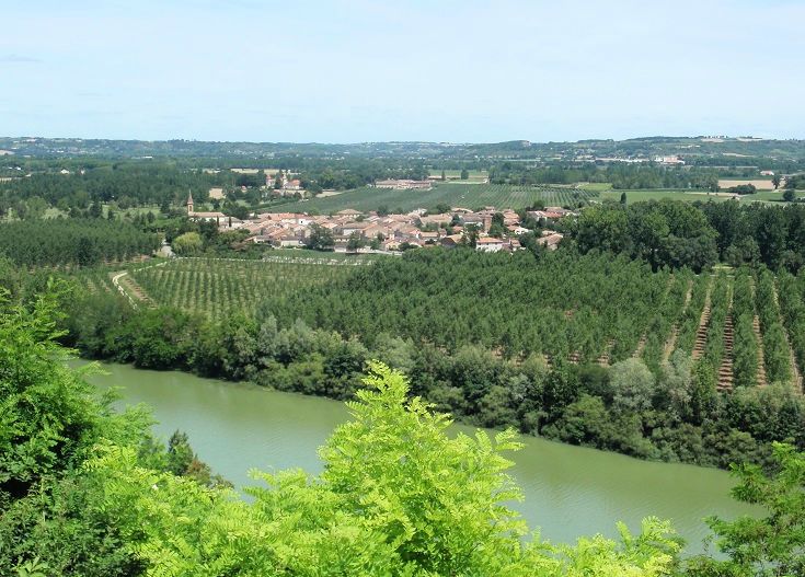 View across the river from Auvillar to the village of Espalais