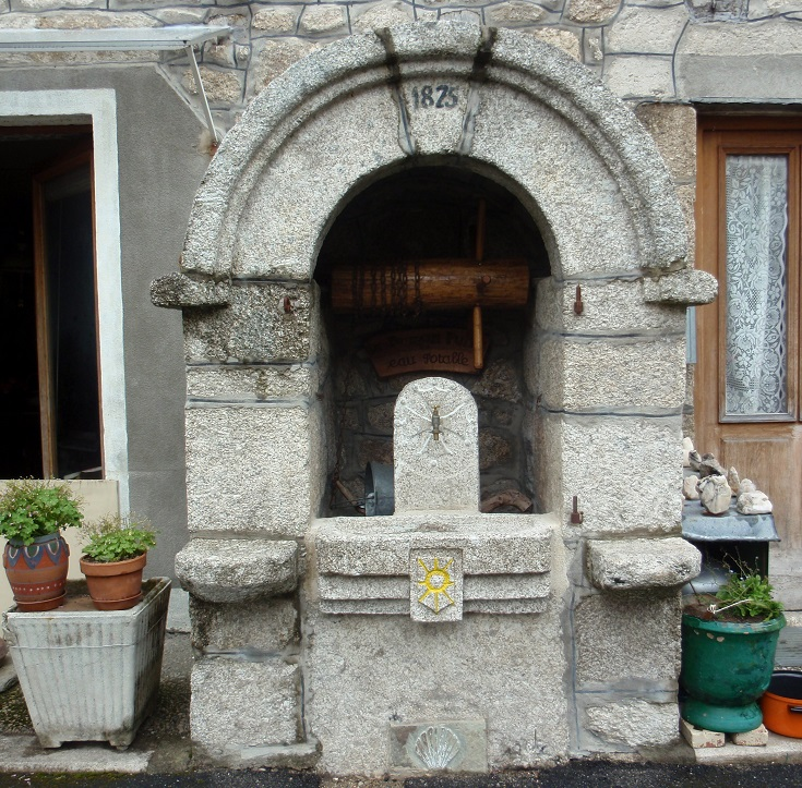 Water well in Espeyrac, GR 65, Chemin de Saint-Jacques, France
