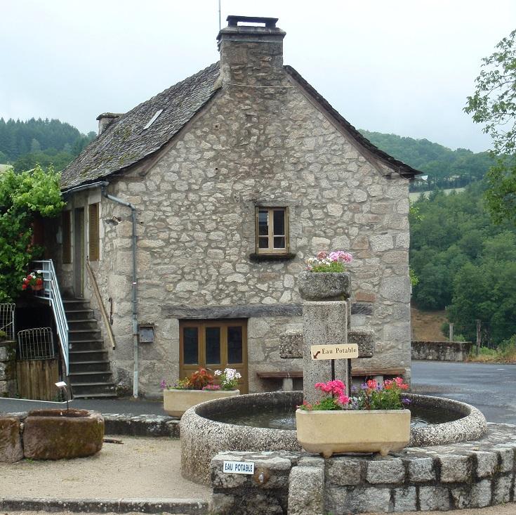 Water well in Espeyrac, GR 65, Chemin de Saint-Jacques, France